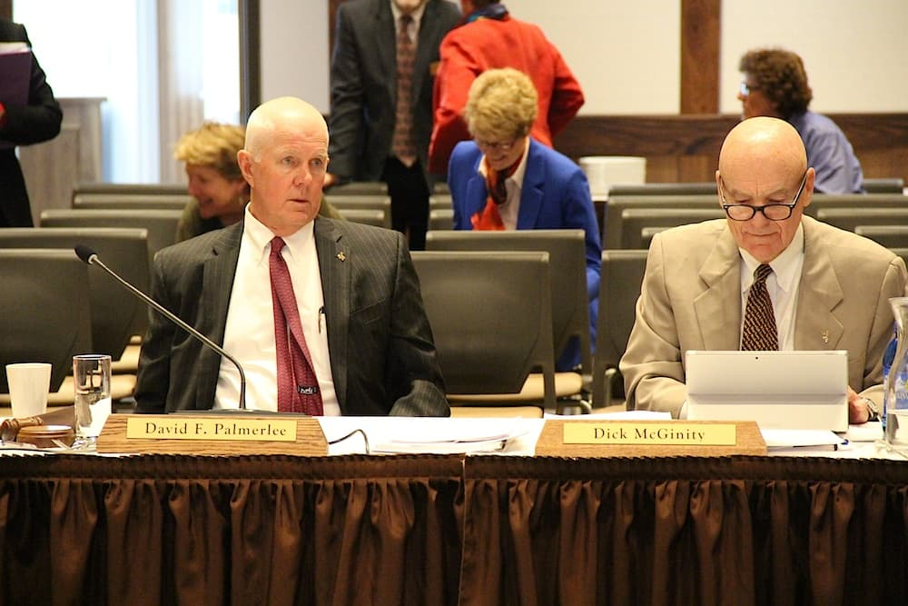 UW trustees unanimously choose open search for next president