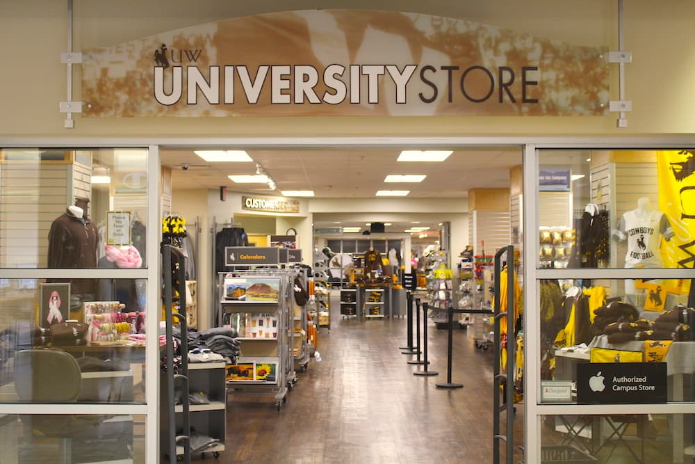 UW report claims no racial profiling in bookstore incident