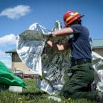 How to deploy an emergency fire shelter