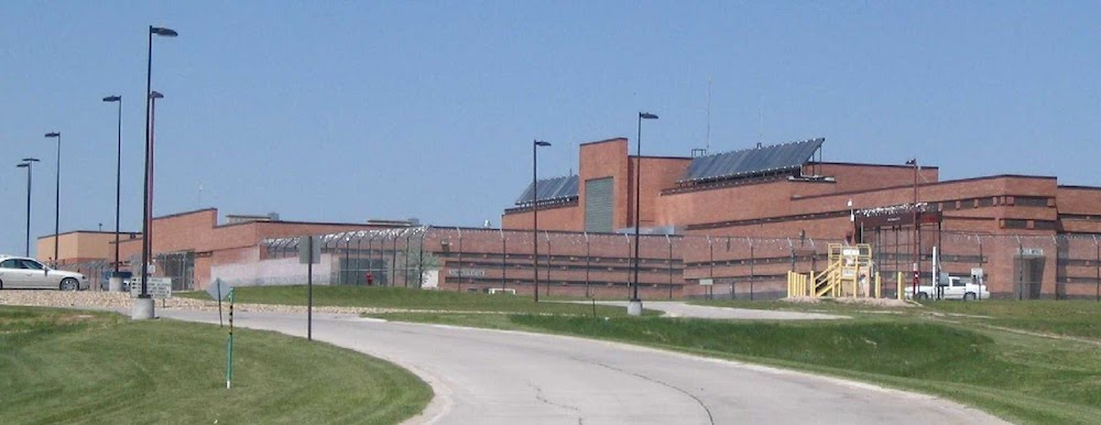 Quarantines but no new positive tests at women's prison
