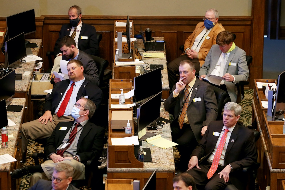 Wyo emerges from session with no long-term budget, ed solutions
